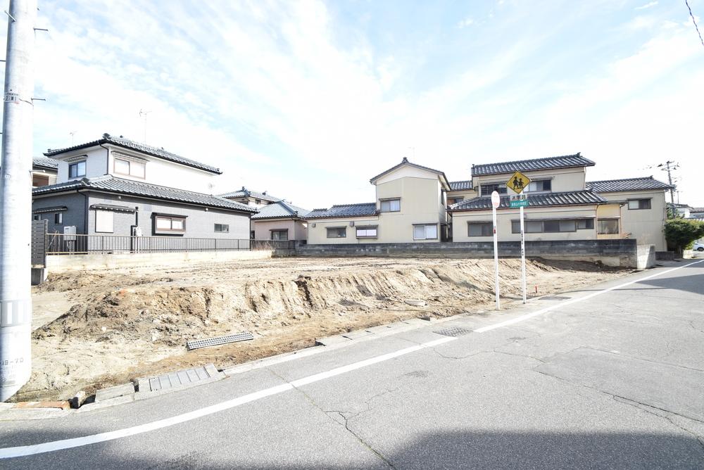 新潟市西区平島3丁目(新築一戸建て)